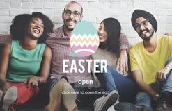 Conceito do ovo de Bunny Rabbit Spring Season Tradition da Páscoa Foto de Stock