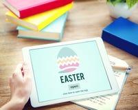 Conceito do ovo de Bunny Rabbit Spring Season Tradition da Páscoa Imagem de Stock Royalty Free