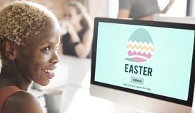 Conceito do ovo de Bunny Rabbit Spring Season Tradition da Páscoa Fotografia de Stock