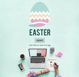 Conceito do ovo de Bunny Rabbit Spring Season Tradition da Páscoa Imagens de Stock
