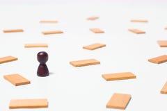 Conceito do pensamento, a busca para soluções, os jogos de mente Fotos de Stock