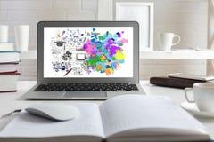 Conceito do pensamento criativo e analítico imagem de stock
