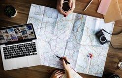 Conceito do planeamento da exploração do sentido do mapa da viagem do curso imagens de stock royalty free