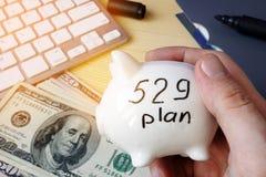 conceito do plano de 529 economias da faculdade do plano Foto de Stock