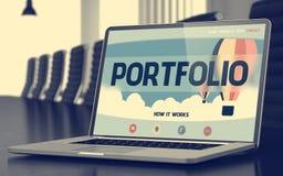 Conceito do portfólio na tela do portátil 3d Fotos de Stock
