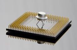 Conceito do processador e do transistor foto de stock