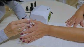 Conceito do processo do tratamento de mãos Lâmpada UV, conduzida vídeos de arquivo