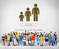 Conceito do relacionamento da unidade das gerações da família imagens de stock