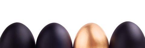 Conceito do símbolo do sucesso com ovo do ouro Imagem de Stock