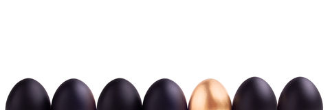 Conceito do símbolo do sucesso com ovo do ouro Imagem de Stock Royalty Free
