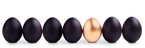 Conceito do símbolo do sucesso com ovo do ouro Fotografia de Stock