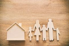 Conceito do seguro vida familiar, financeiro e problemas de saúde imagem de stock