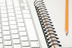 Conceito do teclado e do sketchbook Fotos de Stock