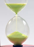 Conceito do tempo com hourglass fotos de stock