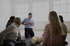 Conceito do treinamento dos socorros do CPR primeiro imagens de stock royalty free