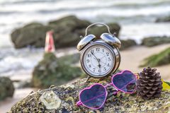 Conceito do Valentim na praia Fotos de Stock Royalty Free