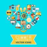 Conceito do verão com ícones lisos do vetor da praia no formulário do coração ilustração stock