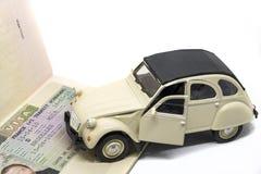 Conceito do visto de Citroen 2CV Schengen Imagens de Stock