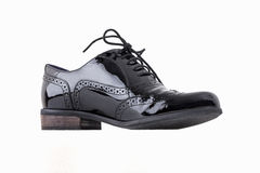 Conceito dos calçados Imagem horizontal Pares de sapatas de couro clássicas fêmeas pretas isoladas no fundo branco Imagem de Stock Royalty Free