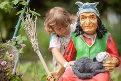 Conceito dos medos da criança Caráter Baba Yaga do bandido de Russan foto de stock