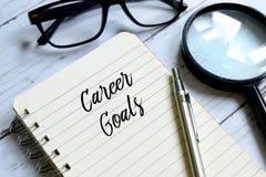Conceito dos objetivos da carreira escritos em um caderno fotos de stock