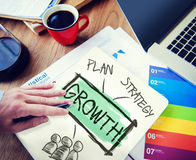 Conceito dos trabalhos de equipa de Growth Ideas Strategy do homem de negócios Imagens de Stock Royalty Free