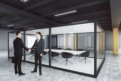 Conceito dos trabalhos de equipa e do contrato Imagens de Stock
