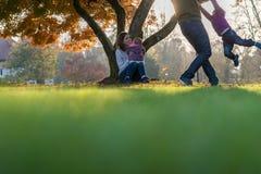 Conceito dos valores familiares e da felicidade fotografia de stock