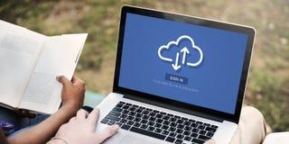 Conceito em linha da tecnologia de uma comunicação do armazenamento da nuvem fotos de stock
