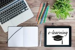 Conceito em linha do ensino eletrónico da educação imagem de stock royalty free