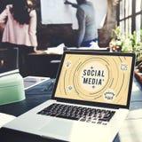 Conceito em linha do gráfico da tecnologia de rede dos meios sociais Fotos de Stock Royalty Free