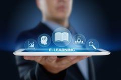 Conceito em linha dos cursos de Webinar da tecnologia do Internet da educação do ensino eletrónico Imagem de Stock