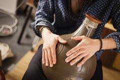 Conceito exótico dos instrumentos do flamenco da percussão do metal imagens de stock royalty free