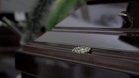 Conceito fúnebre e lamentando filme