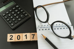 Conceito financeiro do alvo como o foco seletivo no woode 2018 do número Imagem de Stock