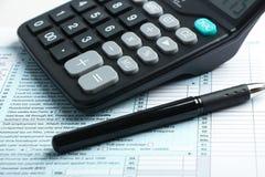 Conceito financeiro do formulário de imposto fotografia de stock