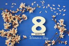 Conceito internacional do dia das mulheres Árvore e data de cereja Imagem de Stock