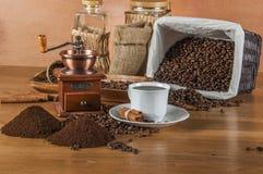 Conceito italiano do café com luz atmosférica imagens de stock