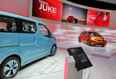 Conceito Juke e e-NV200 de Nissan Fotografia de Stock