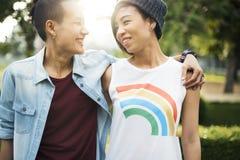 Conceito lésbica da felicidade dos momentos dos pares de LGBT imagens de stock