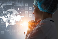 Conceito médico moderno das tecnologias Meios mistos Fotos de Stock