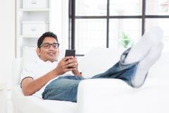 Conceito móvel dos apps de Smartphone imagens de stock