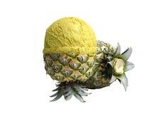 conceito moderno da mentira da bola do gelado do abacaxi do gelado A do fruto Foto de Stock Royalty Free