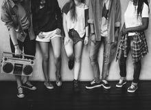 Conceito ocasional do estilo da juventude da cultura do estilo de vida dos adolescentes foto de stock