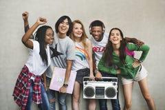 Conceito ocasional do estilo da juventude da cultura do estilo de vida dos adolescentes foto de stock royalty free