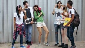 Conceito ocasional do estilo da juventude da cultura do estilo de vida dos adolescentes fotos de stock royalty free