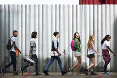 Conceito ocasional do estilo da juventude da cultura do estilo de vida dos adolescentes fotografia de stock