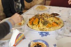 Conceito pronto da tabela da reunião do feriado da família Conceito do alimento da família fotografia de stock royalty free