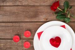 Conceito romântico do jantar Fundo do dia de são valentim ou da proposta Foto de Stock Royalty Free