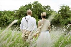 Conceito romance do amor dos pares superiores idosos fotografia de stock royalty free